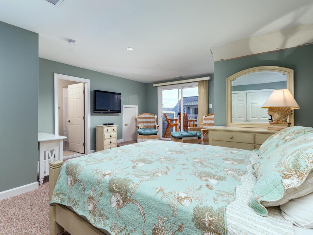 Sunset Island, 39 Sunset Island Drive - Top Floor Bedroom