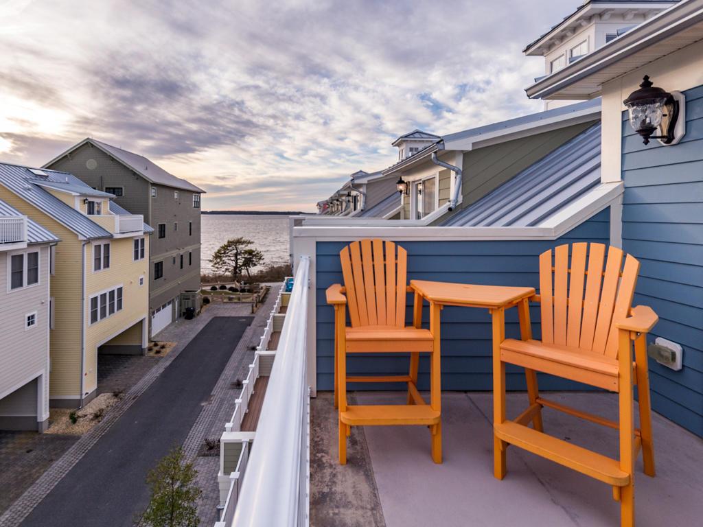 Sunset Island, 39 Sunset Island Drive - Top Floor Balcony