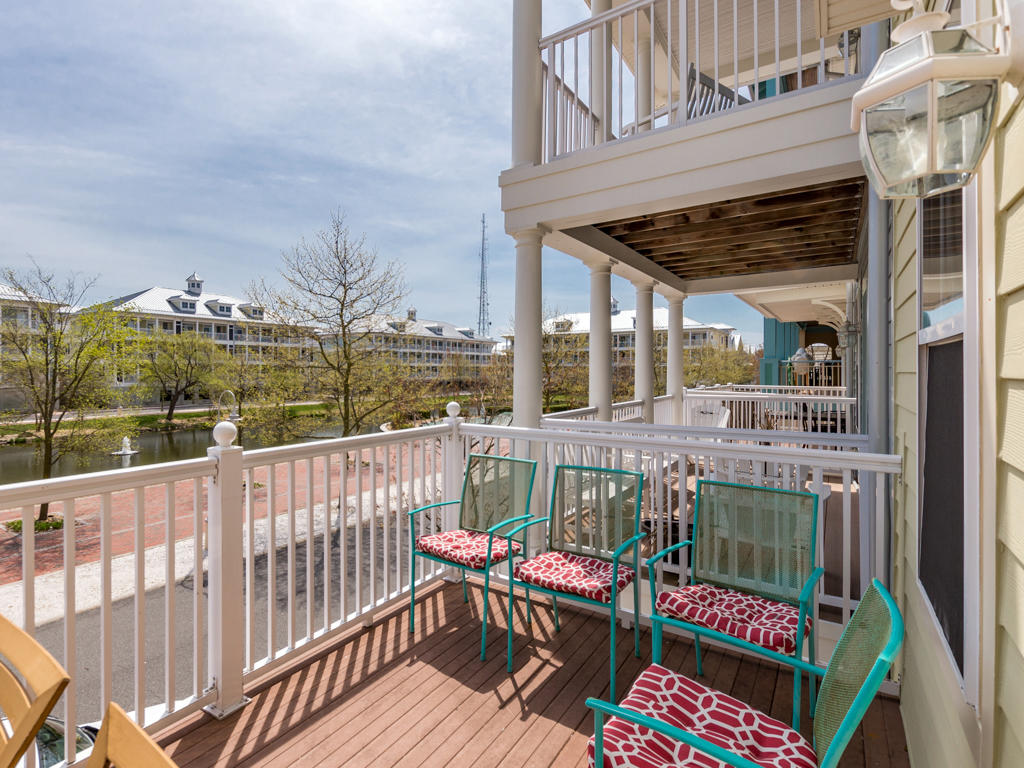 Sunset Island, 31 Fountain Drive West - Balcony