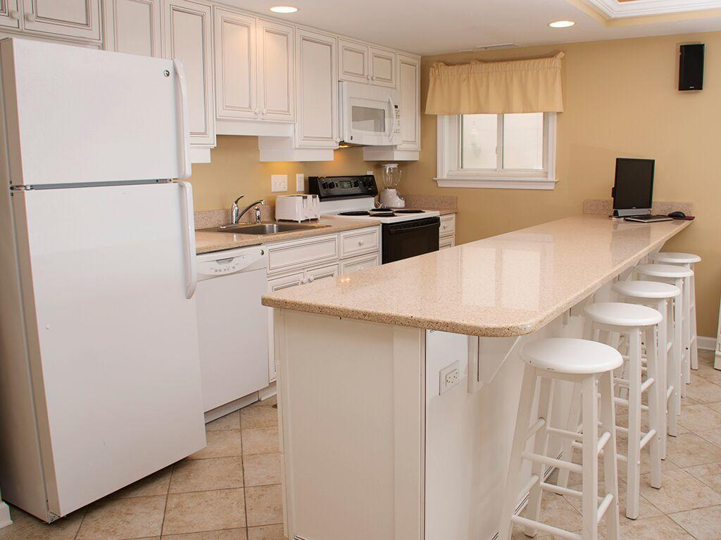 Ocean City Boardwalk Suites, N1 - Kitchen Area