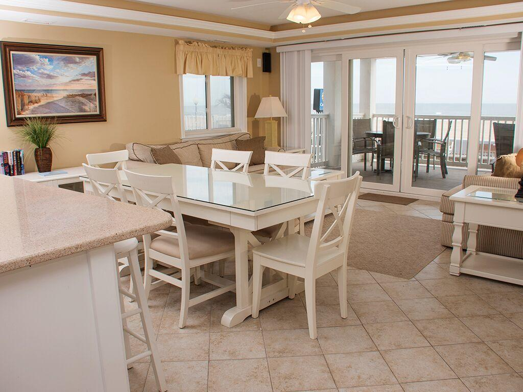 Ocean City Boardwalk Suites, N1 - Dining Area