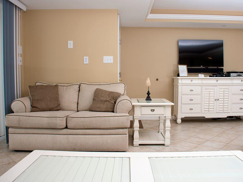 Ocean City Boardwalk Suites, N1 - Living Room Area