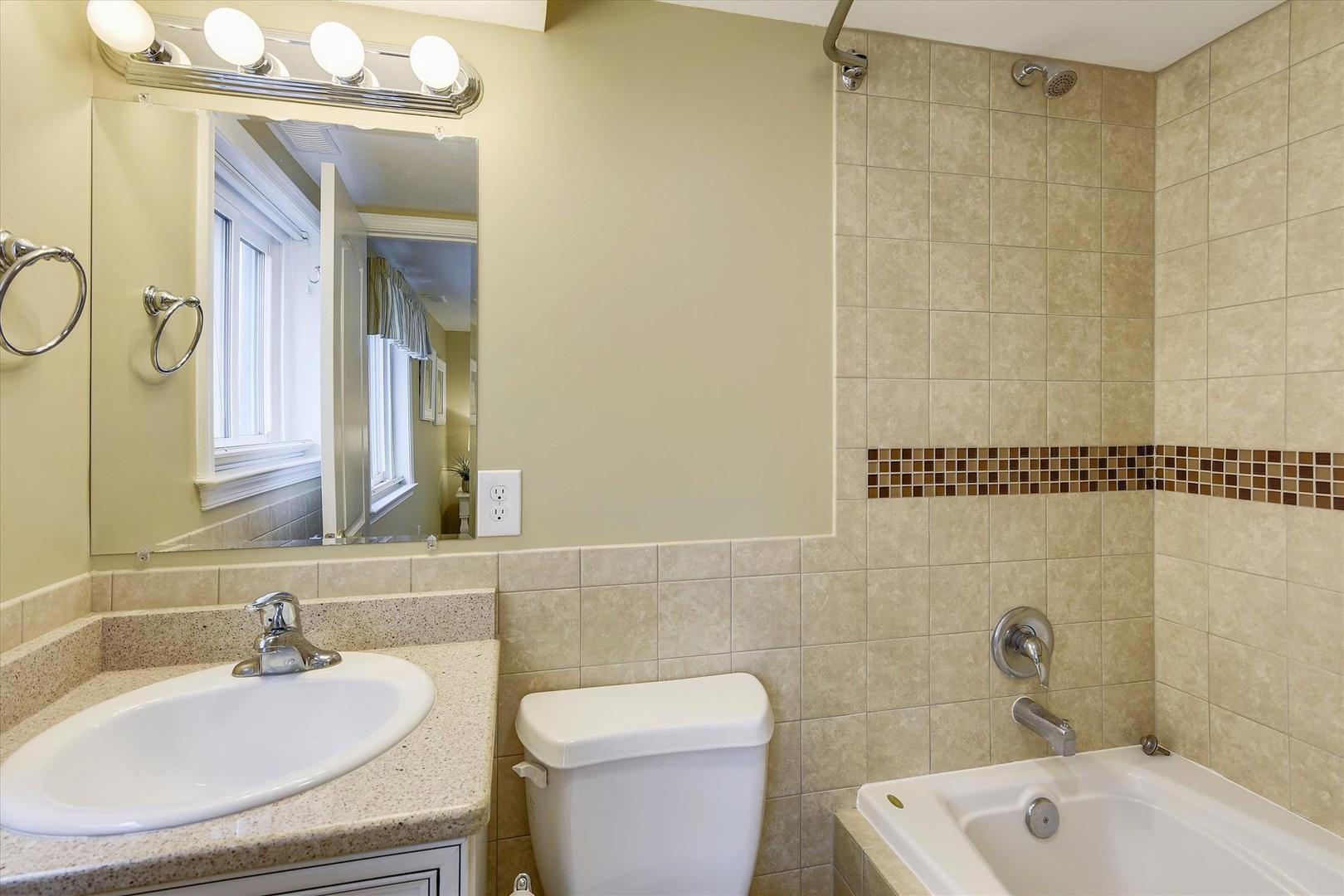 Ocean City Boardwalk Suites N2 - Bathroom 2