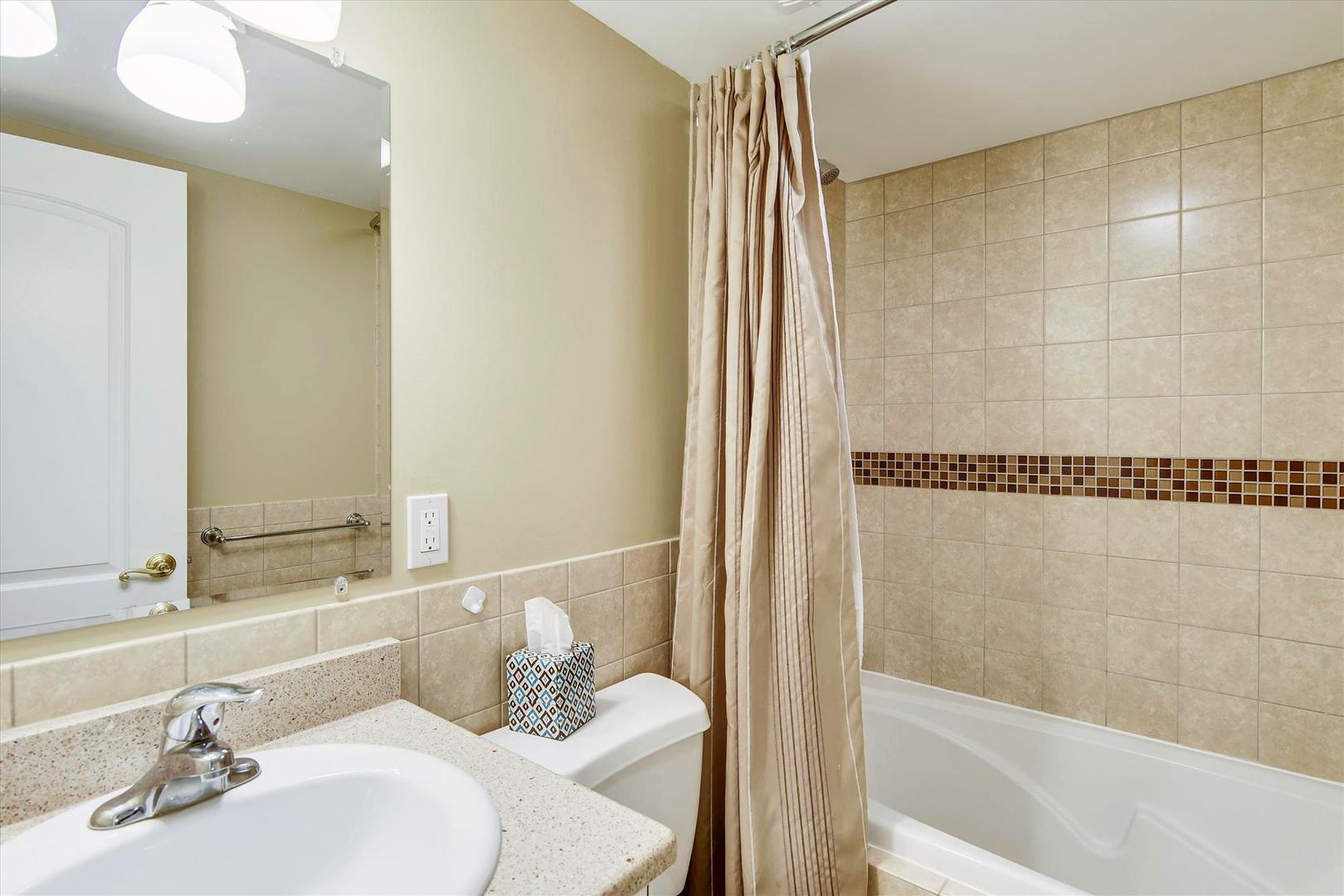 Ocean City Boardwalk Suites N2 - Bathroom 1