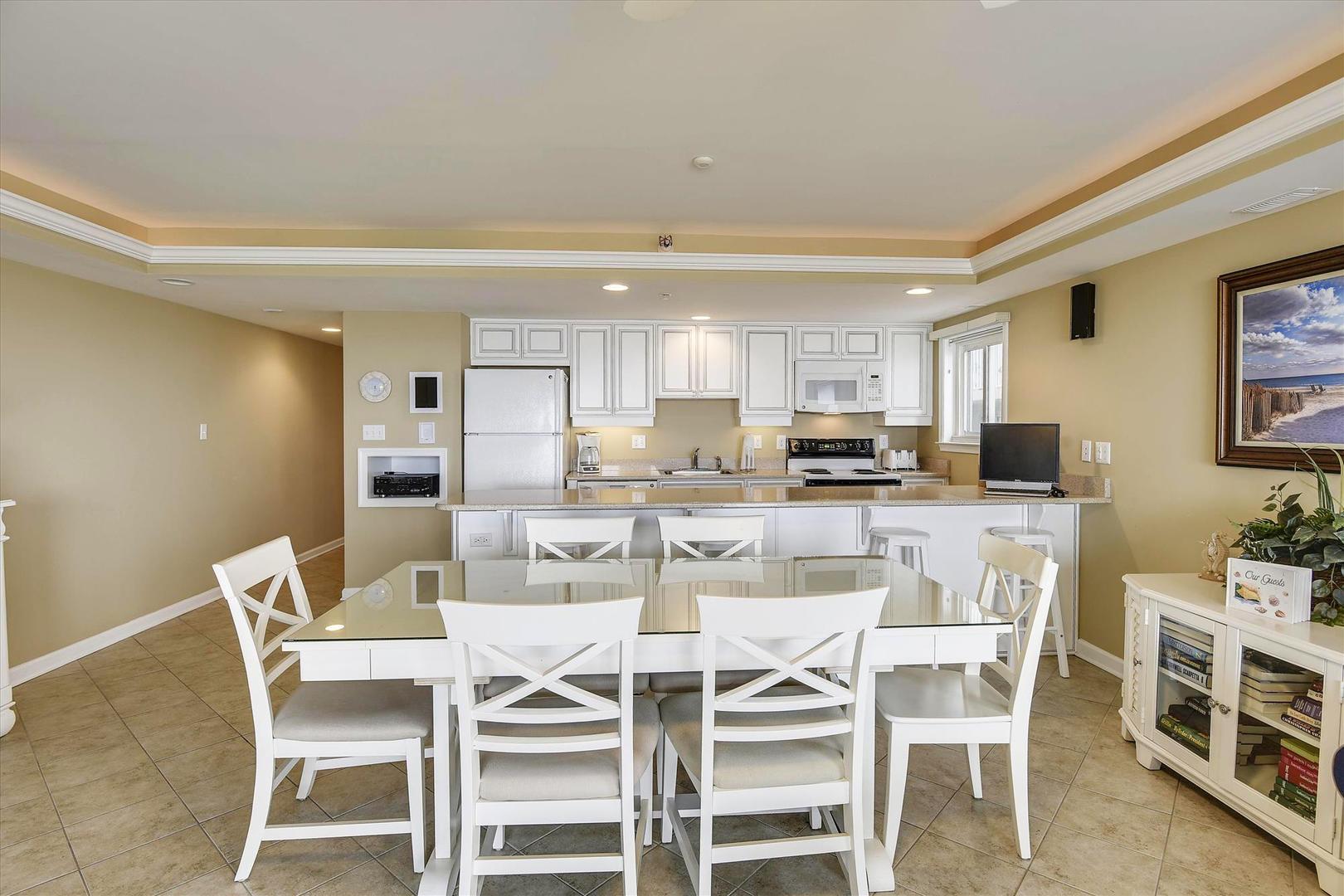 Ocean City Boardwalk Suites N2 - Dining Area