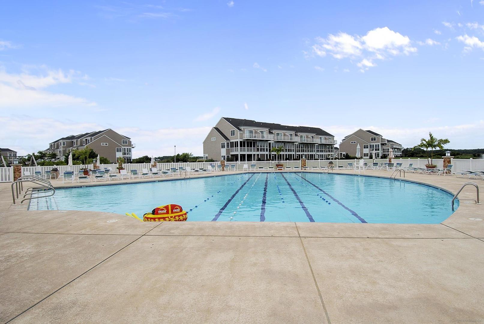 Bayville Shores Outdoor Pool (open seasonally)