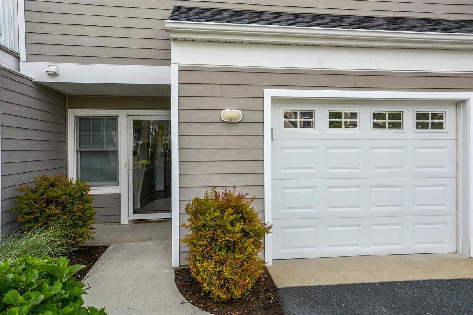 Bayville Shores 1169 - Entry
