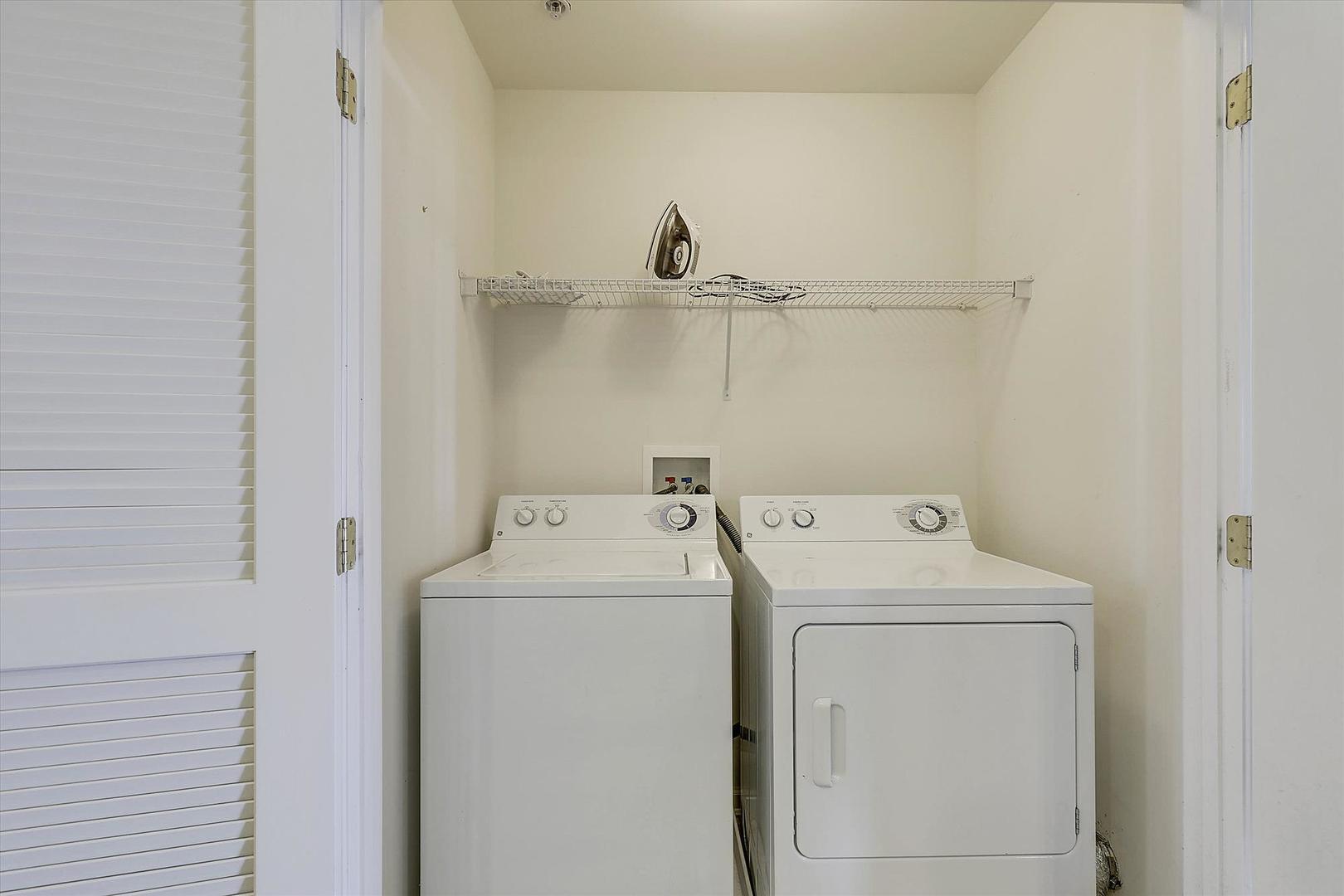 Sunset Island 37 FDW 5D - Laundry