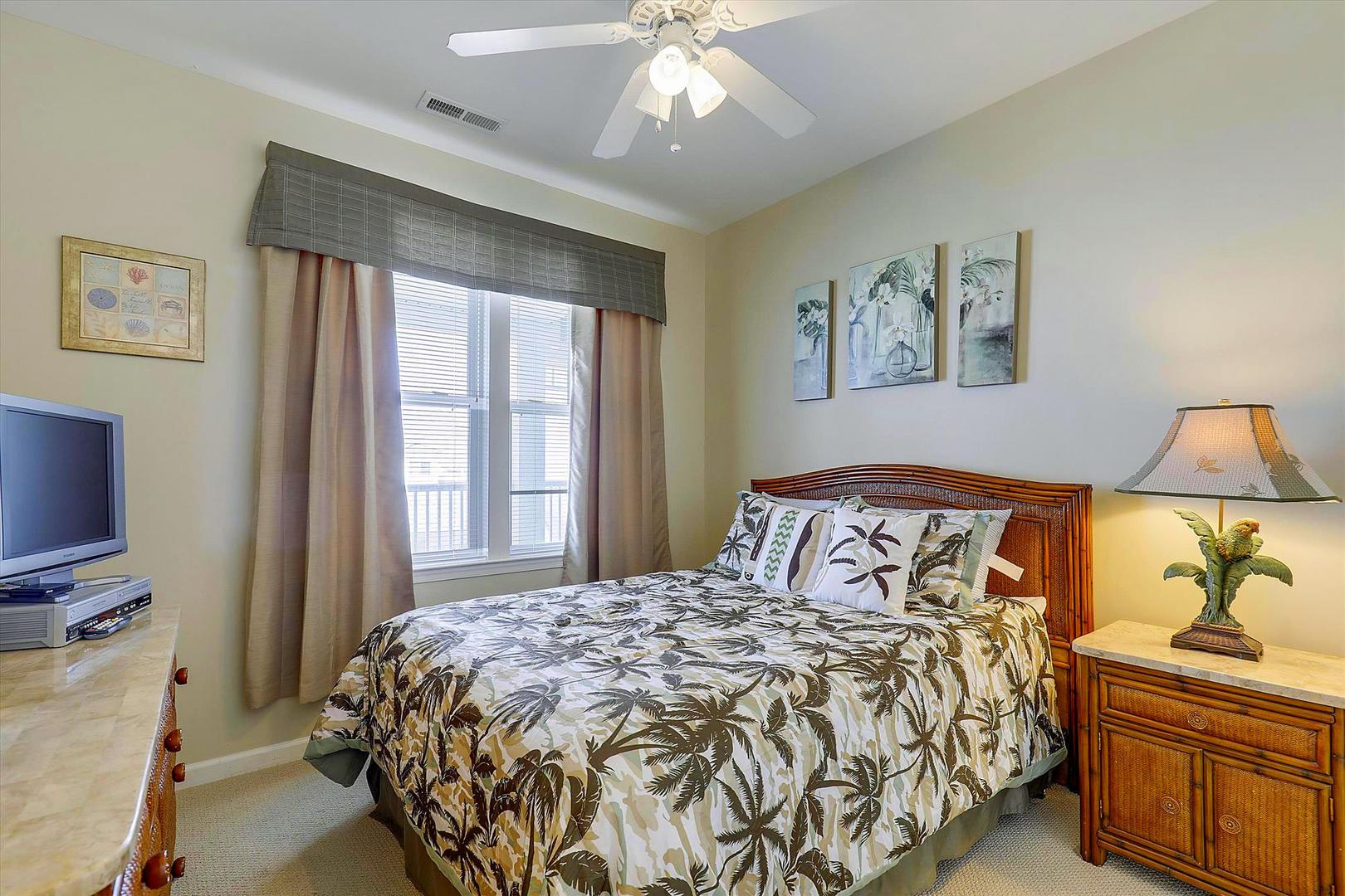 Sunset Island 37 FDW 5D - Bedroom 2