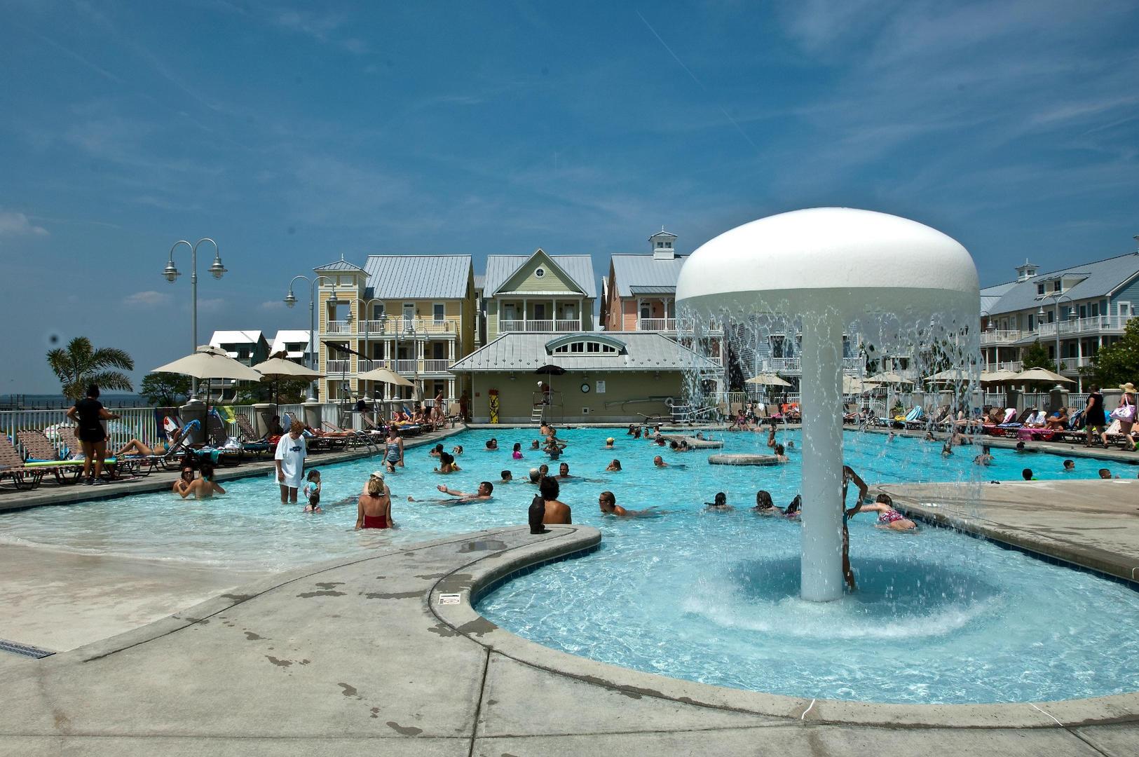 Sunset Island - Outdoor Pool (open seasonally)