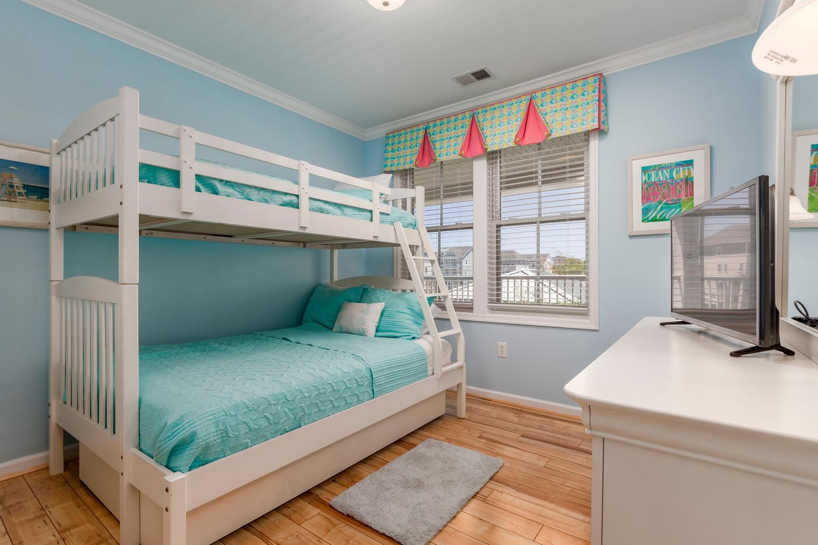 Sunset Island 6 FDE 2A - Bedroom with Pyramid Bunk with Trundle