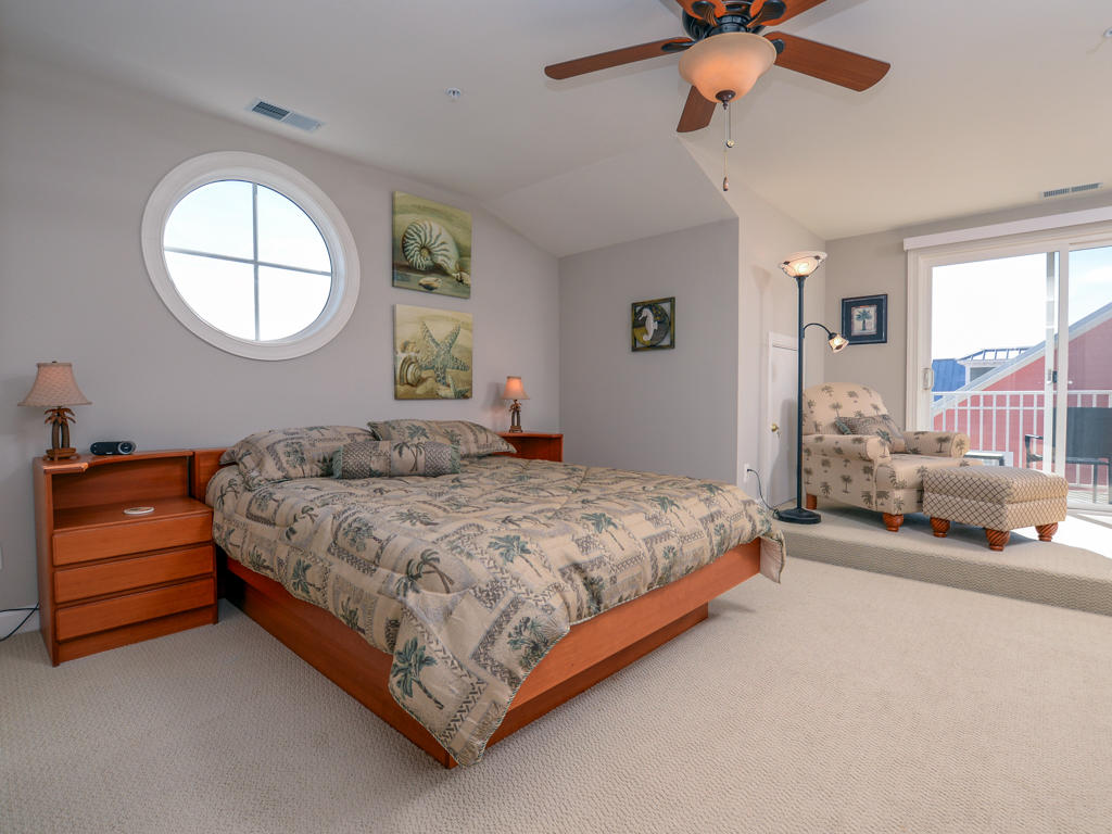 Sunset Island, 30 Canal Side Mews - Top Floor Bedroom