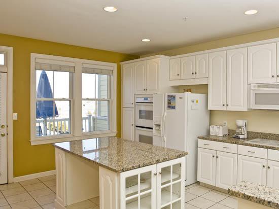 Sunset Island, 6 Island Edge Drive - Kitchen