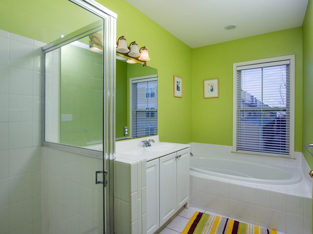 Sunset Island, 15 Sunset Island Drive - Master Bathroom