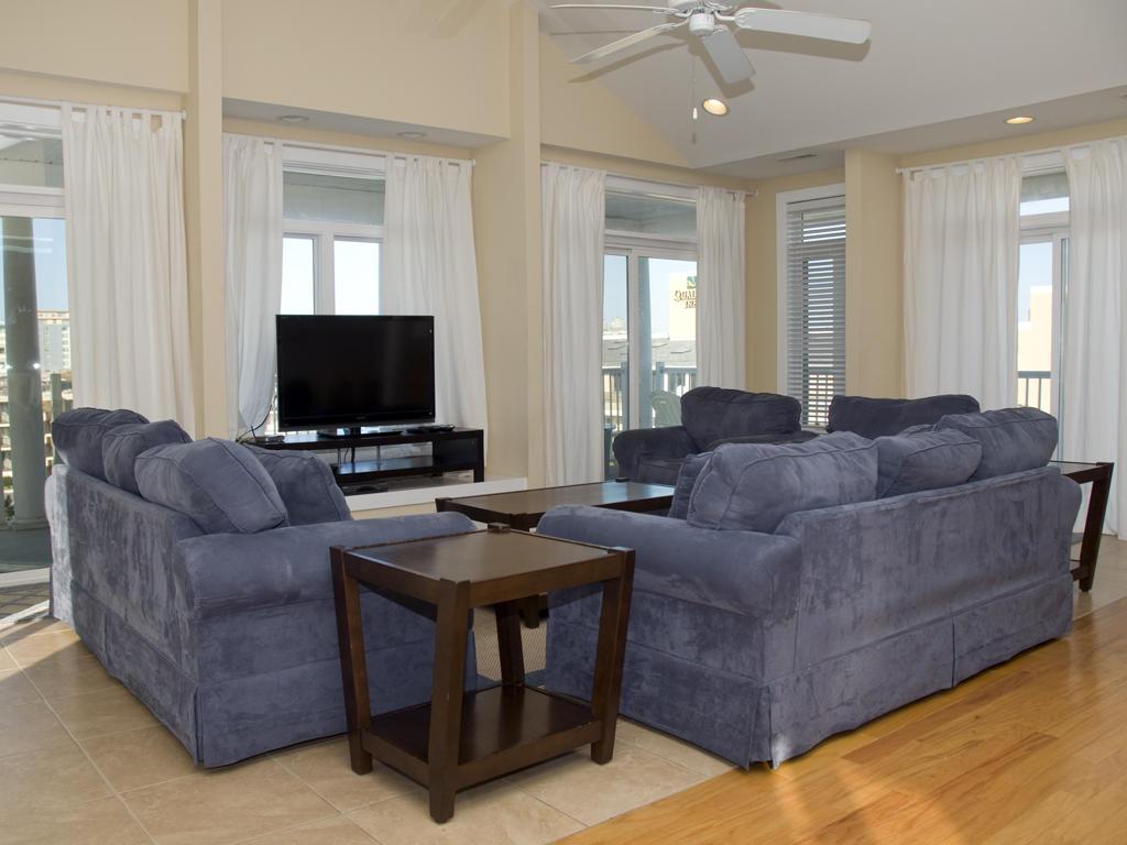 Key Largo, 403 - Living Room Area