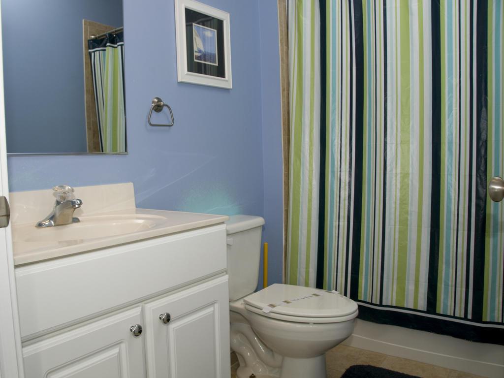 Key Largo, 403 - Third Bathroom