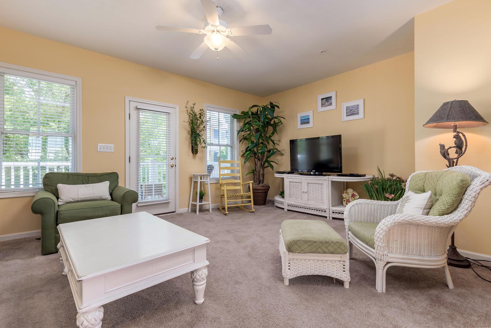 Sunset Island 47 Island Edge Dr. - Living Room