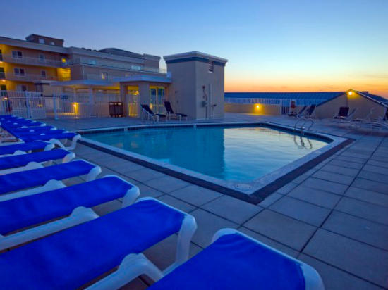 Rooftop Pool of Sunset Beach Building (open seasonally)