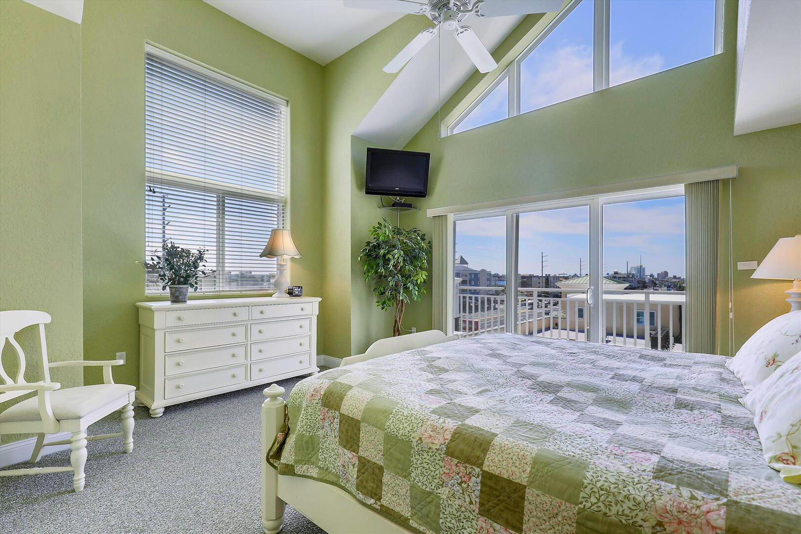 Master Bedroom Suite of Sunset Beach 409