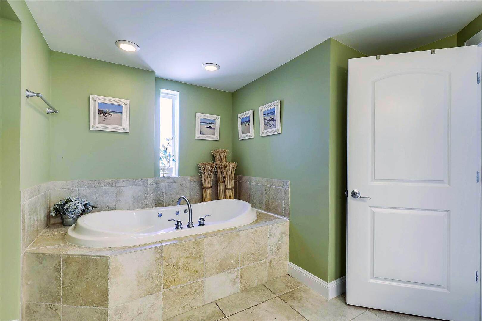 Master Bathroom of Sunset Beach 409