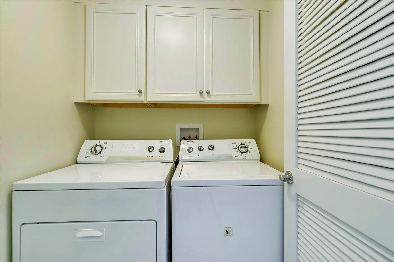 Laundry Area of Sunset Beach 409