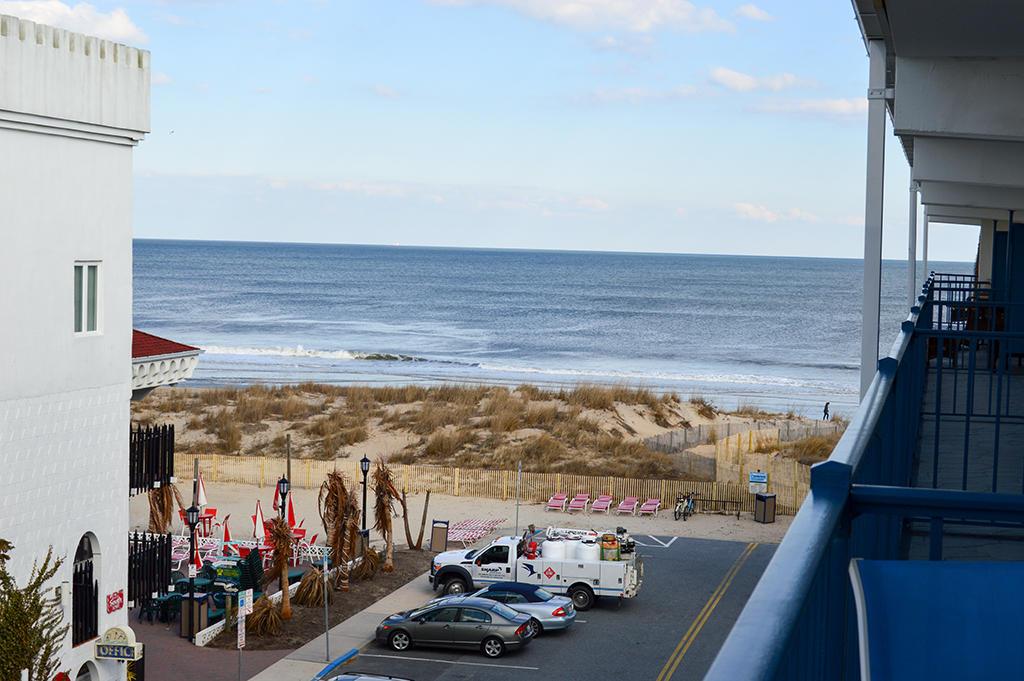 Sovereign Sea 406 - Balcony Beach View