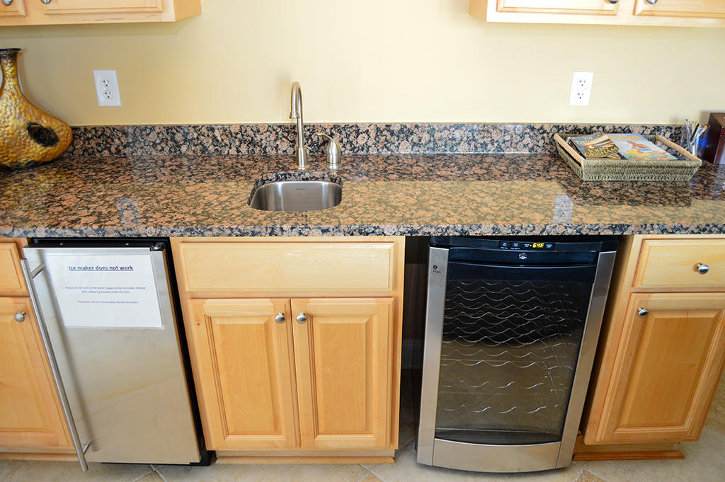 Rivendell 607 - Wet Bar