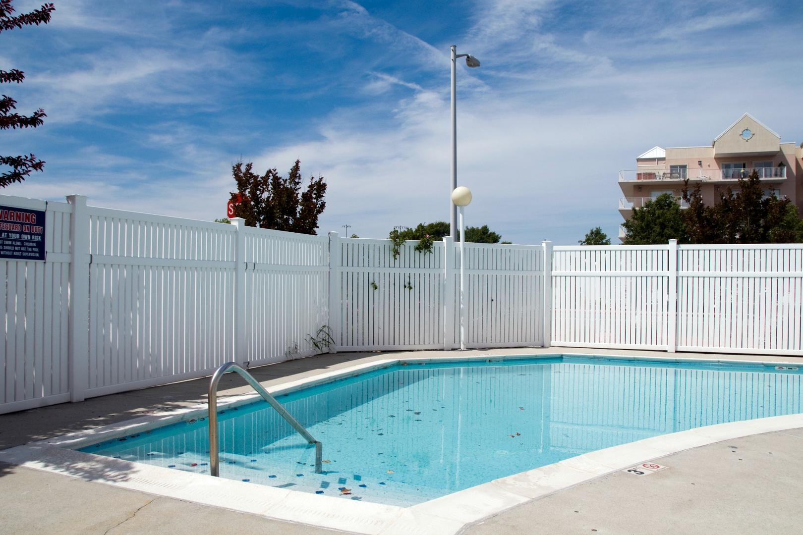 Lorelei I - Outdoor Pool