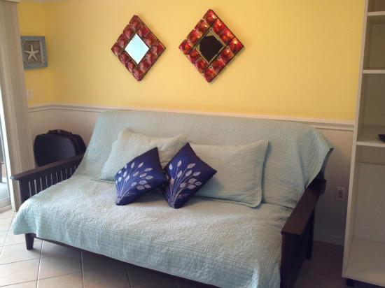 Makai 404 - Living Room