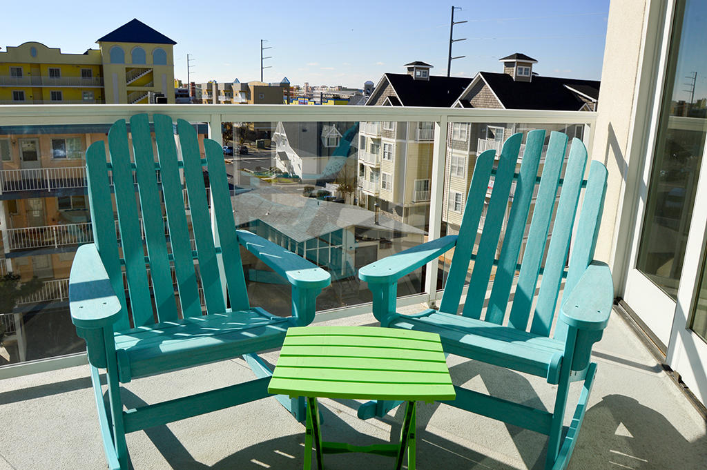 Meridian 403 West- Balcony