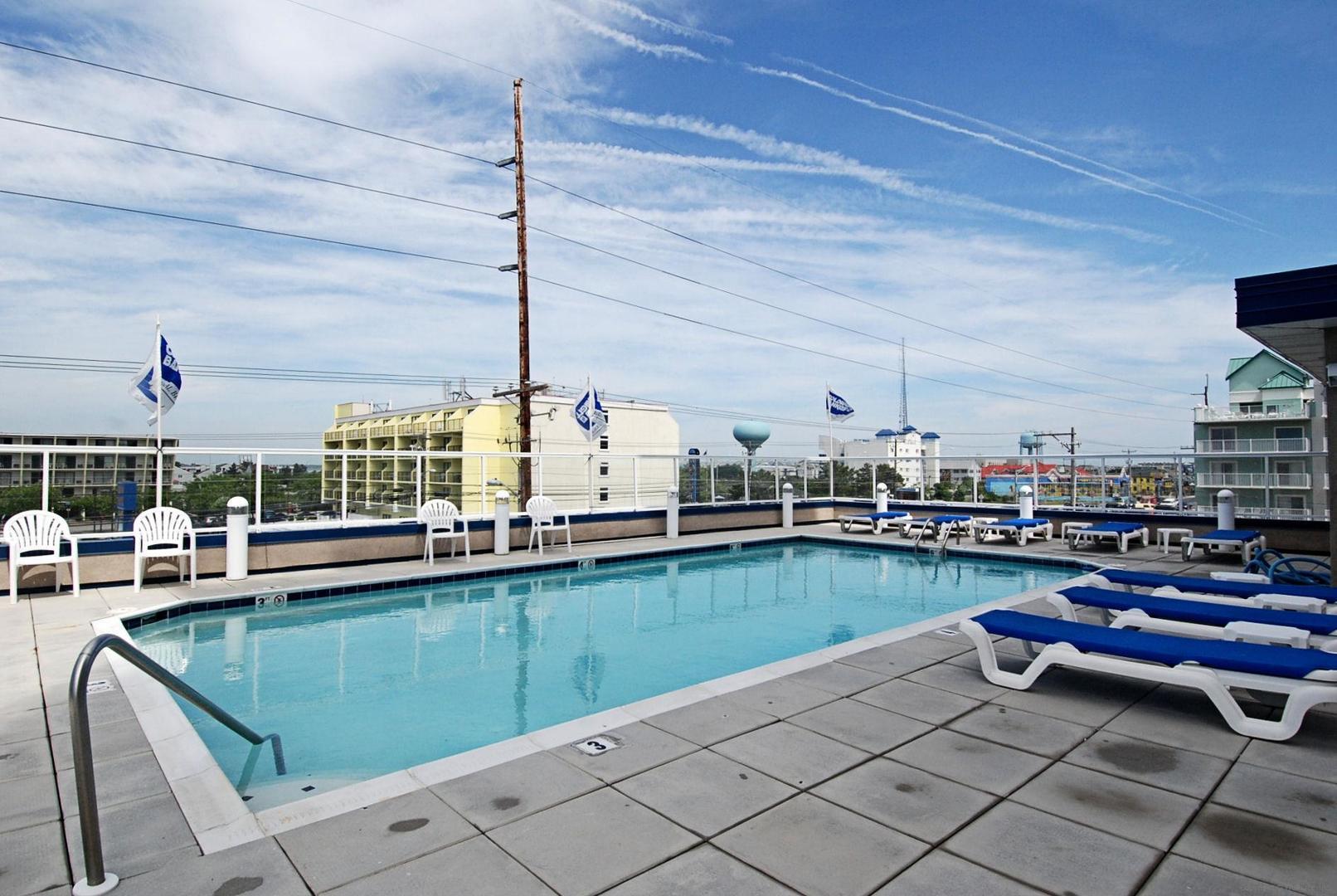Meridian Rooftop Pool (open seasonally)