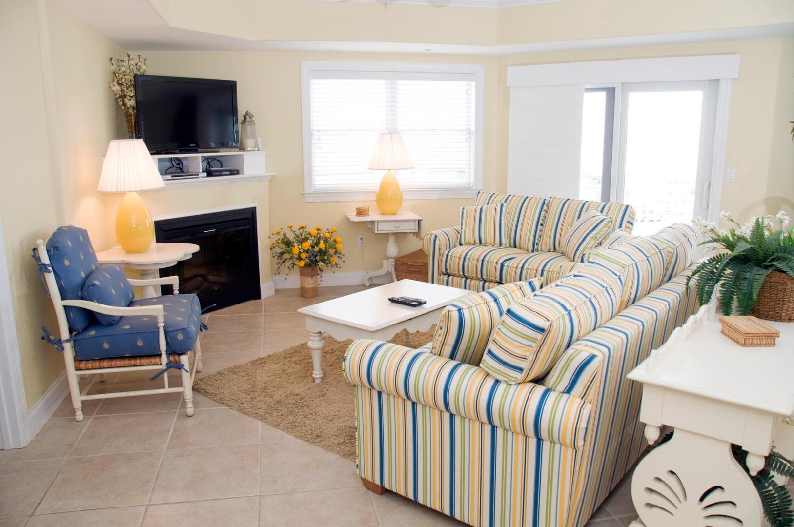 4100 Condos 302 - Living Room