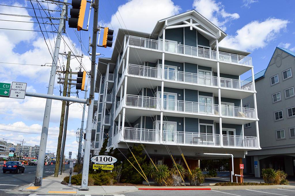 4100 Oceanside Condominiums 302 - South Enterance