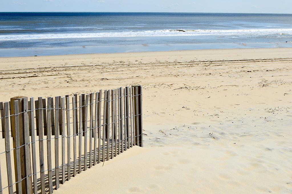 4100 Oceanside Condominiums 302 - Beach Entrance
