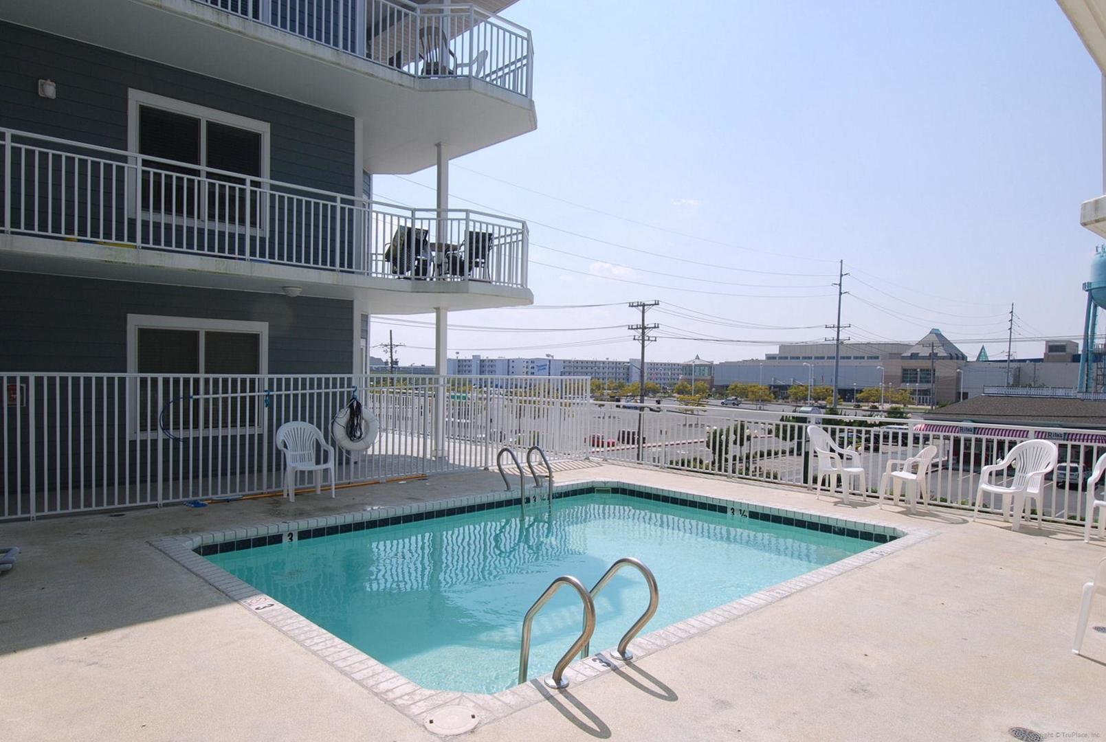 4100 Condos Bldg - Outdoor Pool (open seasonally)