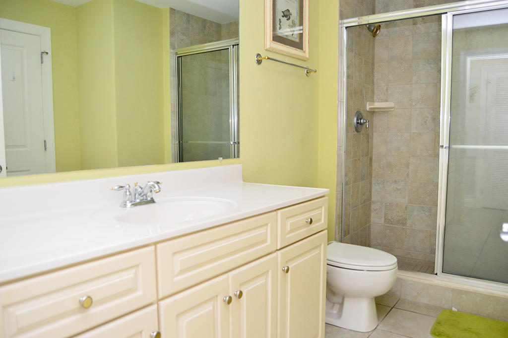 Belmont Towers 401 - Bathroom 3