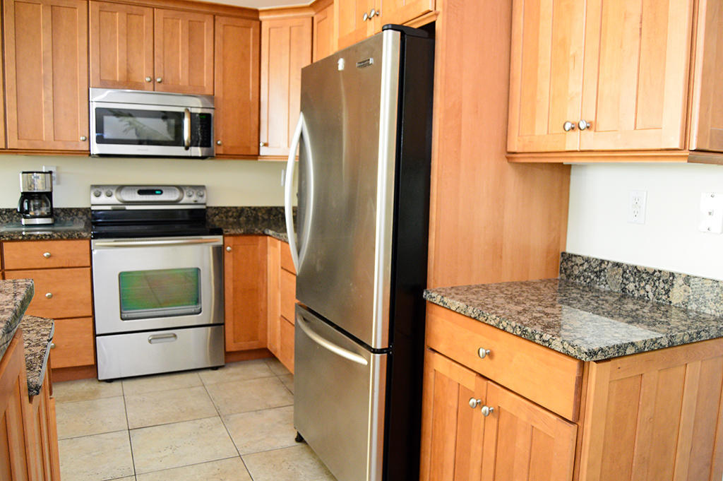 Belmont Towers 401 - Kitchen