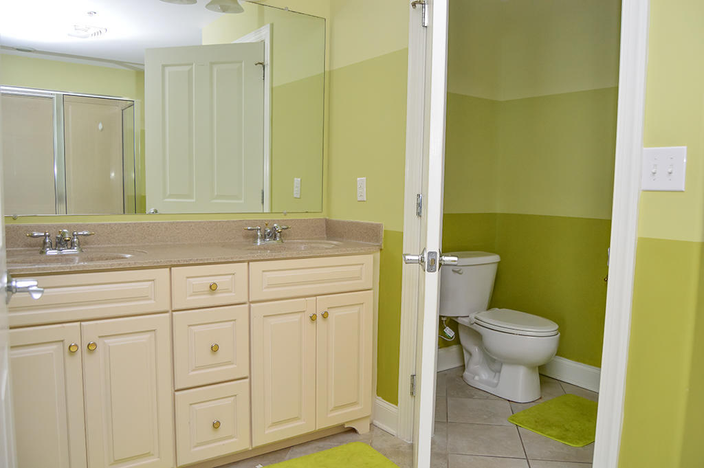 Belmont Towers 401 - Master Bathroom