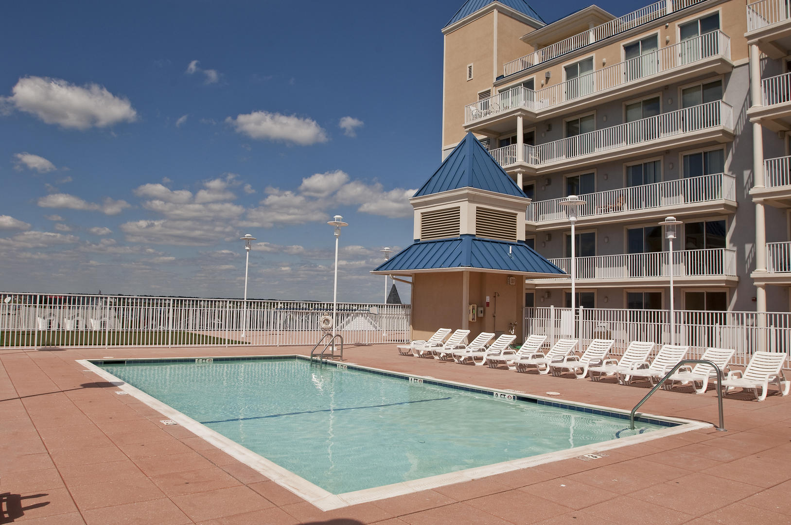 Belmont Towers - Rooftop Pool (open seasonally)
