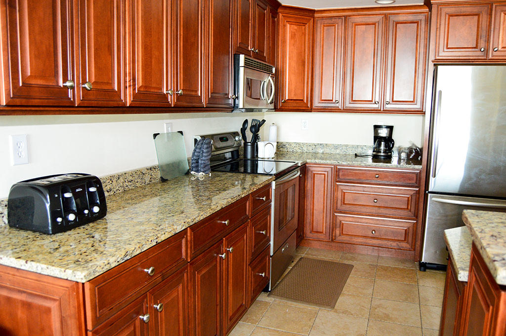 Belmont Towers 405 - Kitchen