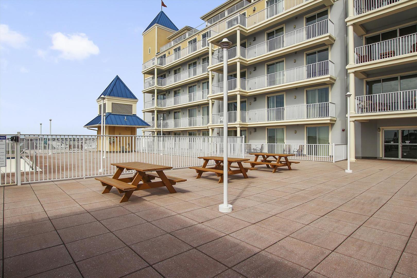 Belmont Towers Rooftop Sun Deck