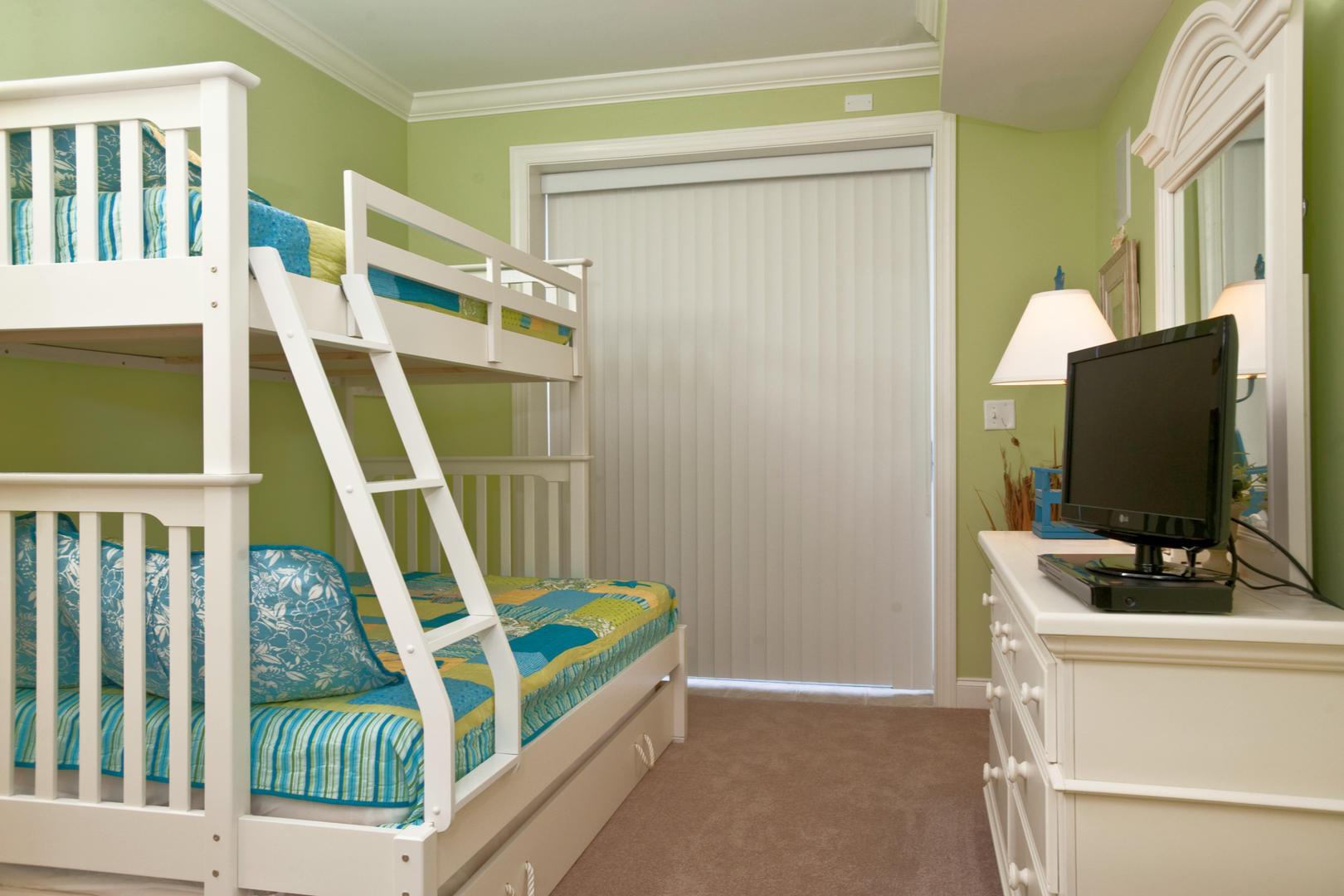 Belmont Towers 411 - Bedroom 3