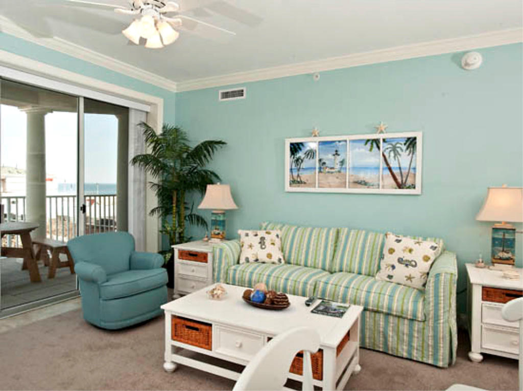 Belmont Towers 411 - Living Room