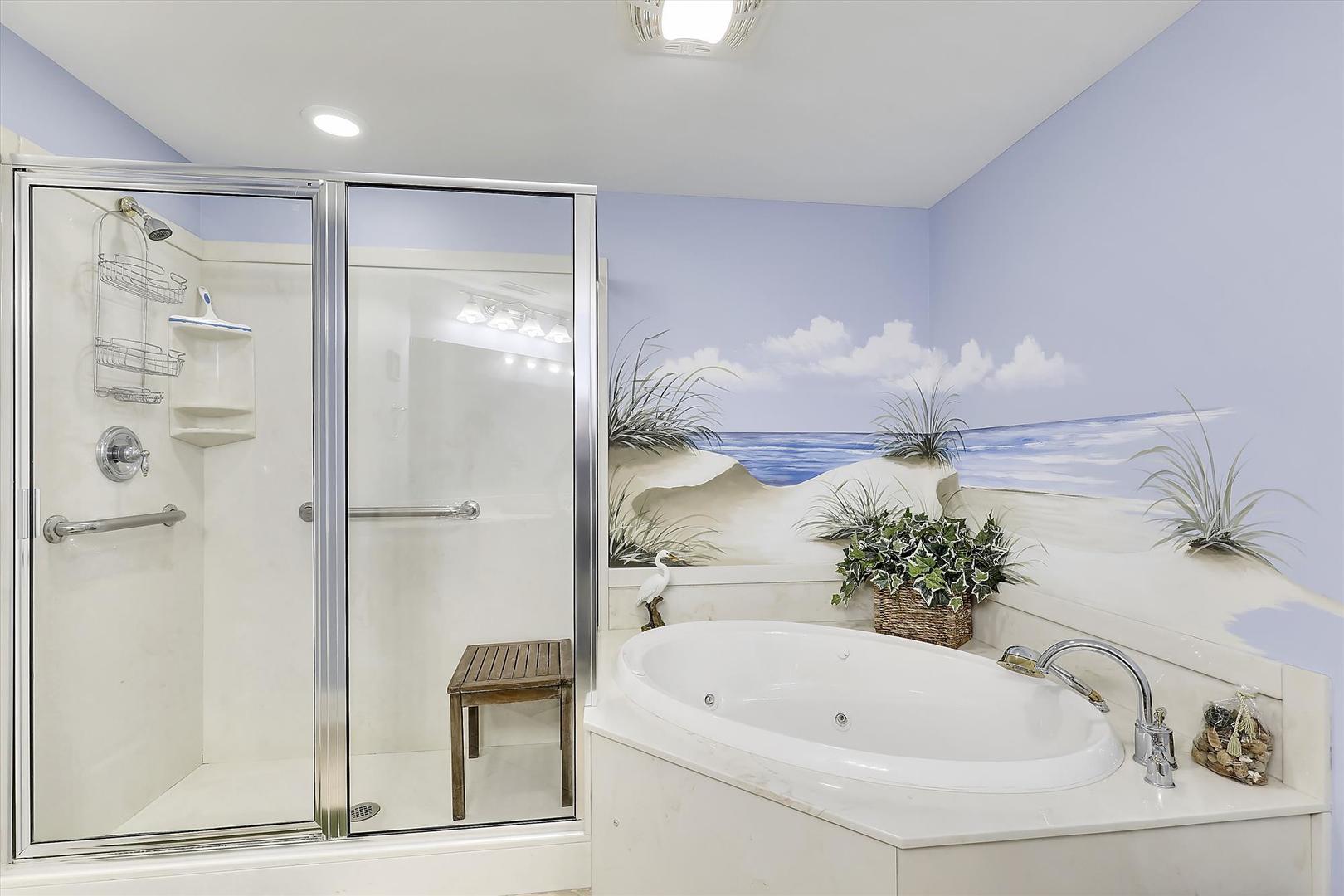 Belmont Towers 511 - Master Bathroom