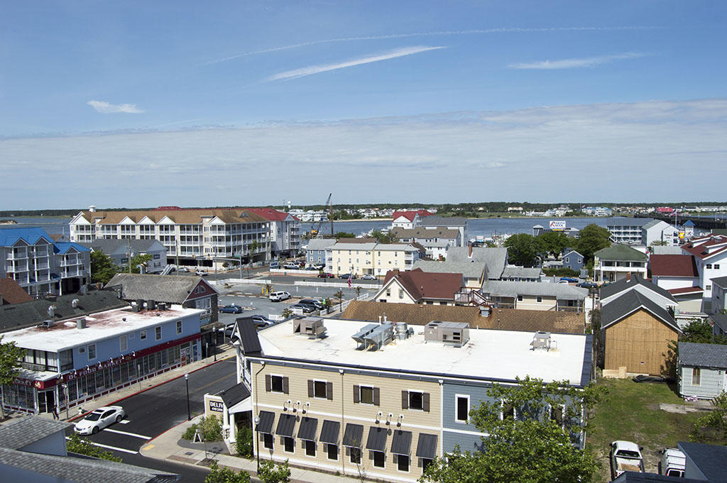 Belmont 610 - Balcony View