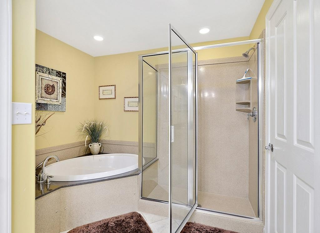 Belmont Towers, 804 - Master Bathroom