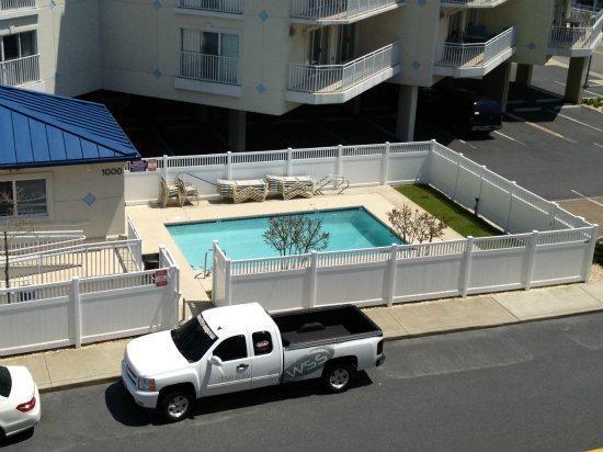 Bahia Vista Outdoor Pool (open seasonally)