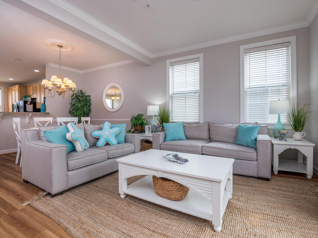 Sunset Island, 40 Canal Walk Lane - Living Room