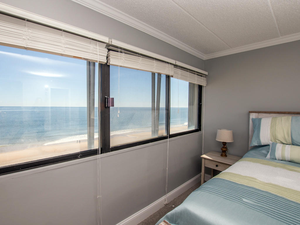 Oceana, II 605 - Master Bedroom