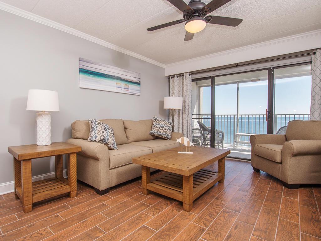 Oceana, II 605 - Living Room